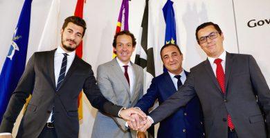 Los cuatro representantes de Transportes reunidos en Baleares (el canario Pablo Rodríguez, 1º der.). DA