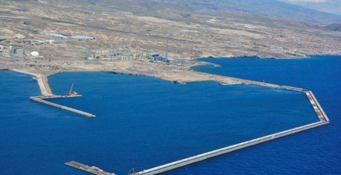 Fomento entrega la obra del puerto de Granadilla, ya listo para operar