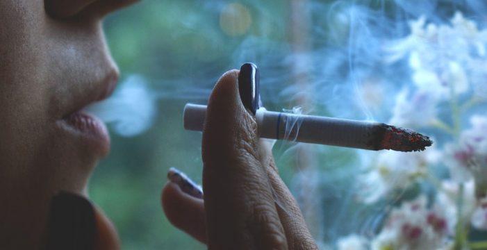 Oncólogos alertan de que el cáncer de pulmón en mujeres crece a ritmo de epidemia