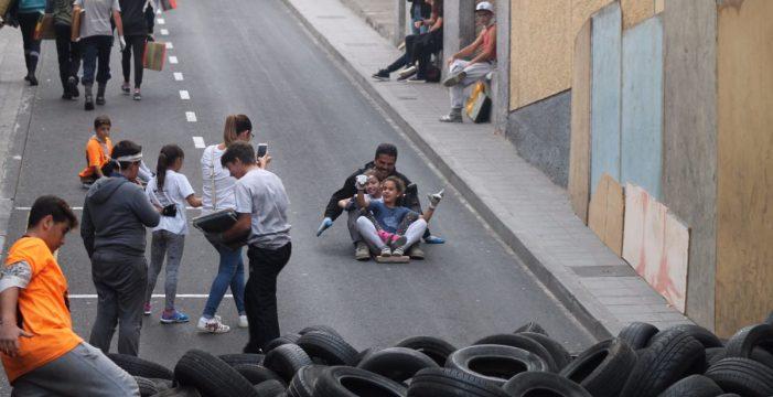 Las tablas invaden las calles y barrios de Icod de los Vinos