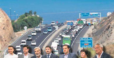 Empresarios y alcaldes se plantan y exigen soluciones a las graves colas de tráfico del Sur