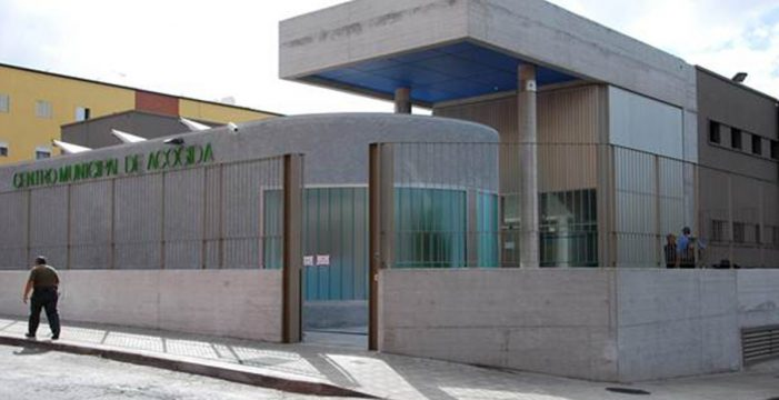 Azorín denuncia ante el Diputado del Común la situación del albergue de Santa Cruz
