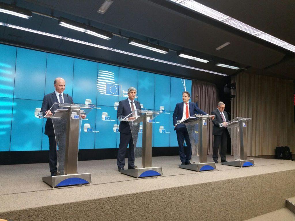 Mario Centeno (segundo izq.), ministro portugués de Finanzas, nuevo presidente del Eurogrupo   TWITTER