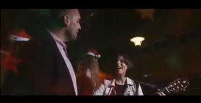 'El Charro' y Beatriz Martín cantan la Navidad a los granadilleros