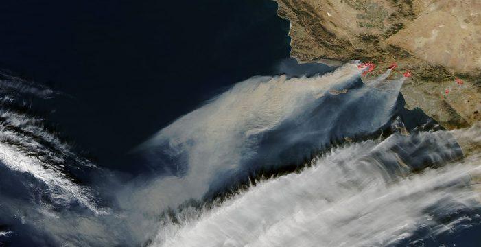 Los terribles incendios de California, captados desde el espacio