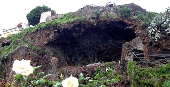 Llega la hora de rescatar del olvido a la Cueva de Carías