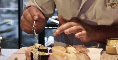 Nobuyuki Kawai impartirá un curso de sushi en el Hotel Escuela Santa Cruz