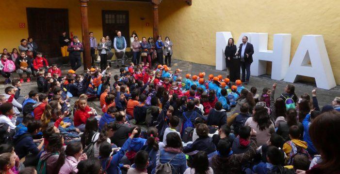 El CEIP Juan Cruz Ruiz gana el II Concurso de Belenes Reciclados del Cabildo