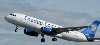 La crisis de Thomas Cook convierte en 'rehenes' a miles de turistas en Canarias