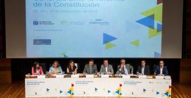 Las tres 'grandes' constituciones de España citan expresamente a Canarias