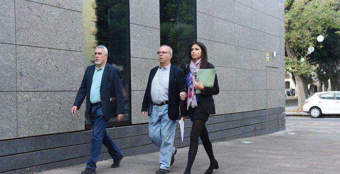 Pérez Godiño y los dos técnicos municipales ya declaran en el Juzgado por el caso Grúas