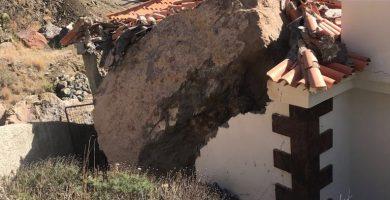 Un derrumbe destroza el tanatorio de Valle Gran Rey, en La Gomera