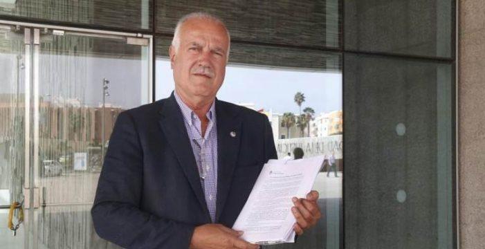 El alcalde de Firgas dimite 24 horas después de que DIARIO de AVISOS desvelara que suplantó a su hijo
