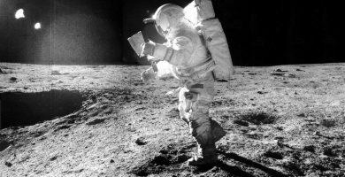 Trump firma una directiva para enviar una misión tripulada a la Luna y estudiar un viaje a Marte