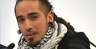 Prisión sin fianza por matar presuntamente al hombre de los tirantes con la bandera española