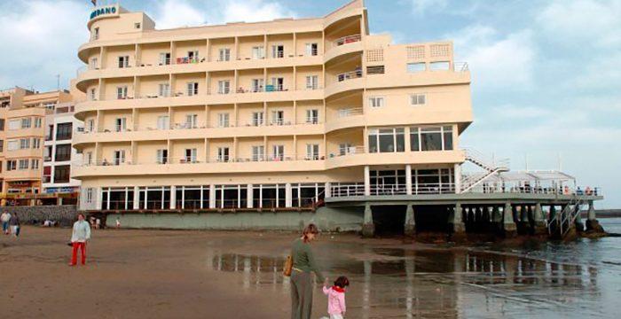 El Hotel Médano será desde hoy Patrimonio Arquitectónico de Granadilla