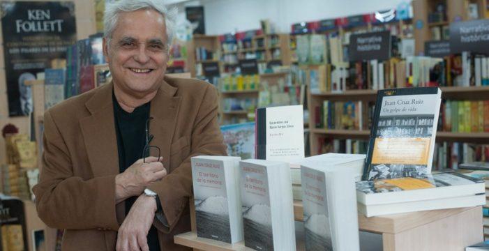 """Juan Cruz: """"Sobre Mario Vargas Llosa llueve la terrible tempestad de los insultos y los tópicos"""""""