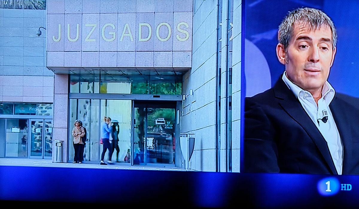 El presidente del Gobierno de Canarias, Fernando Clavijo, anoche en TVE-C. Andrés Gutiérrez