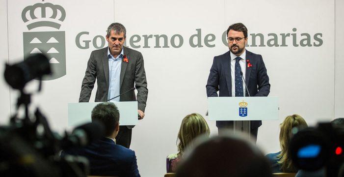 """El PP avala el presupuesto canario, pero sigue """"en la oposición"""" a CC"""