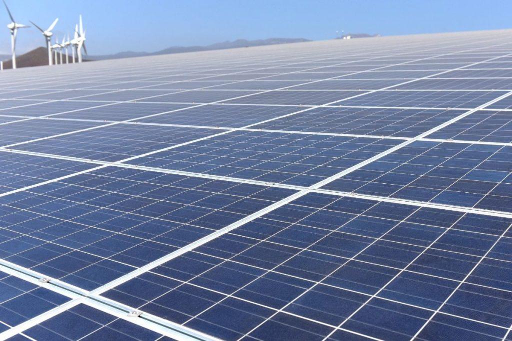 Resultado de imagen de paneles fotovoltaicos en el iter