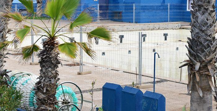 """El Martiánez denuncia su """"agónica"""" situación tras dos años del cierre de la piscina"""