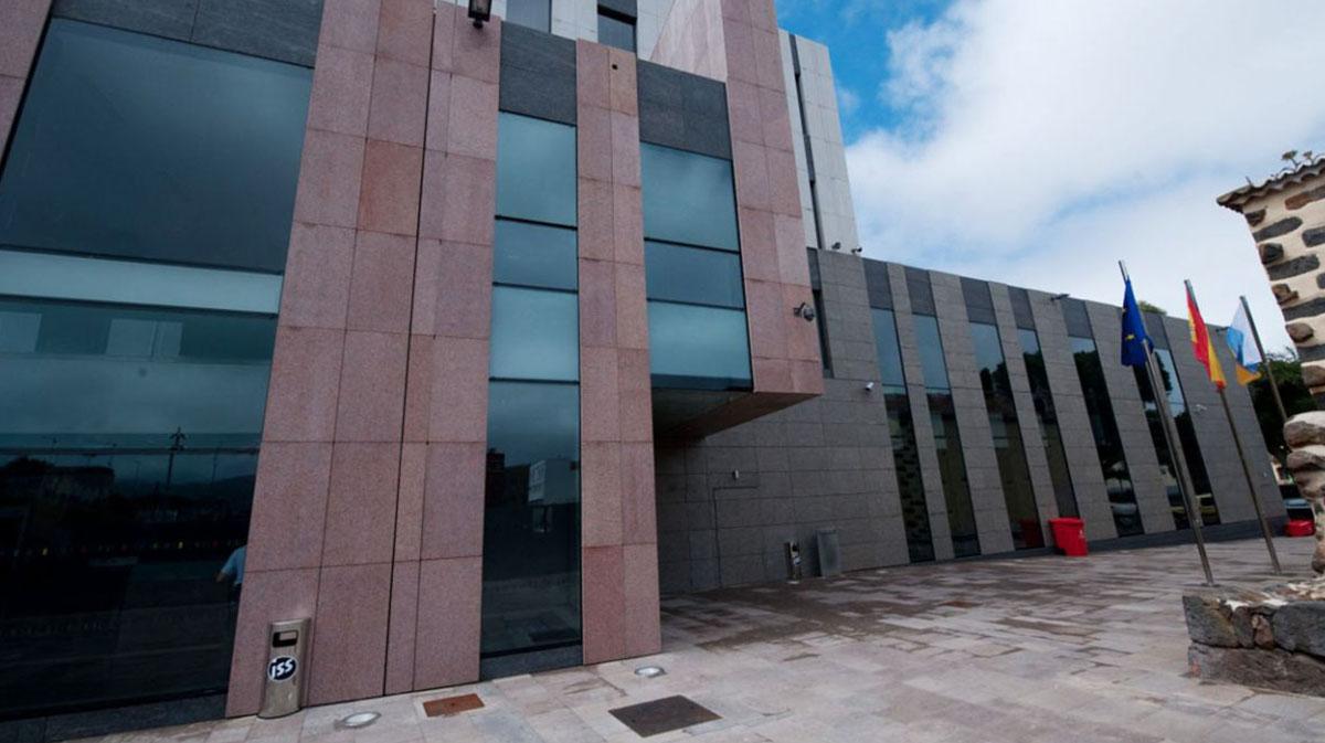 Dos juzgados laguneros y el TSJC investigan hoy las distintas ramificaciones del llamado Caso Grúas. Sergio Méndez
