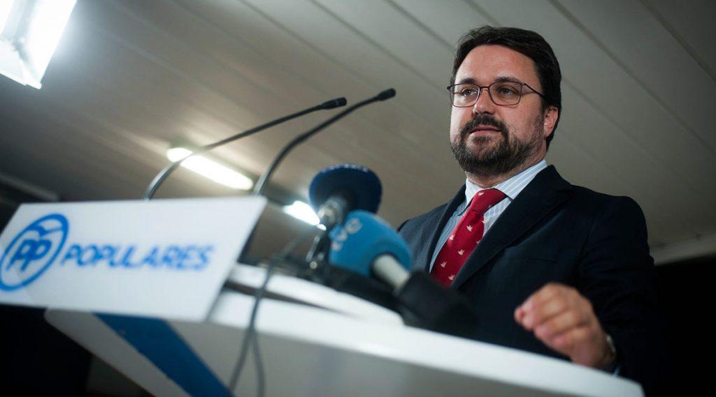El Presidente del Partido Popular de Canarias, Asier Antona, durante su comparecencia ante los medios. Fran Pallero