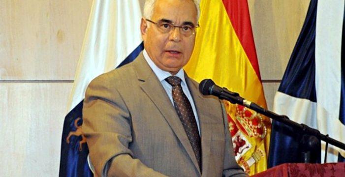 Álvaro Arvelo será reconocido el próximo 25 de enero por su contribución a la lucha canaria