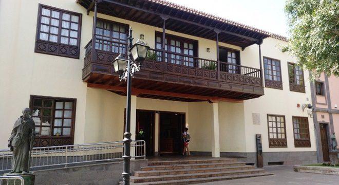 Arona rechaza los Planes de Modernización y Mejora Turística de Los Cristianos y Las Américas