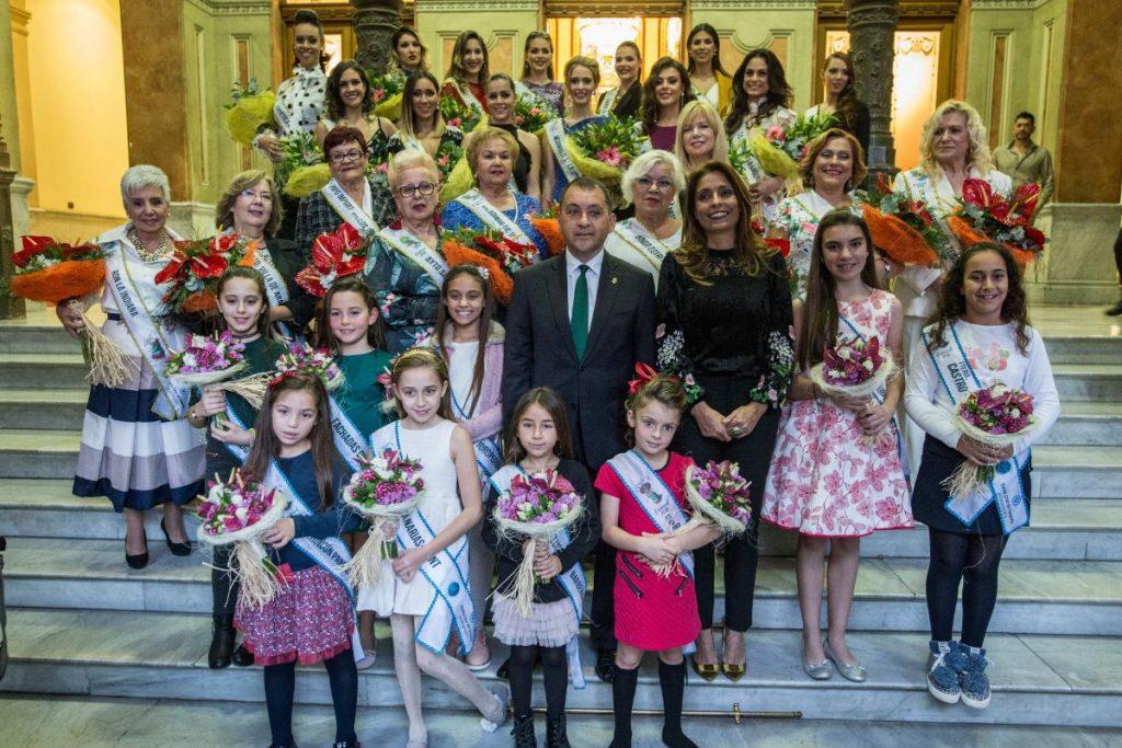 Resultado de imagen de recepción de las aspirantes a reina del carnaval 2018 santa cruz