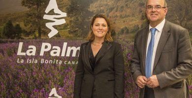 Alicia Vanoostende y Anselmo Pestana presentaron en Fitur el Centro de Visitantes Caños de Fuego. DA