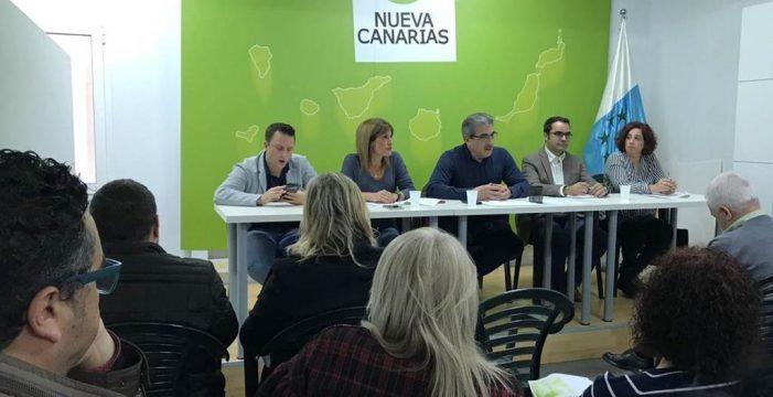 Una alianza con NC daría a CC la opción de elegir al PSOE o  al PP como socio de gobierno