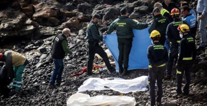 Siete jóvenes inmigrantes mueren en una patera en Lanzarote