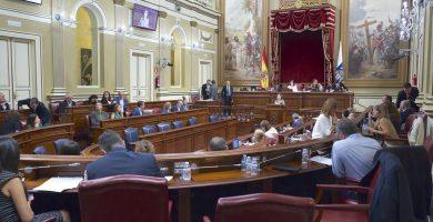 PSOE, PP, Podemos y NC acuerdan aumentar diputados, bajar los topes electorales y aplicar el sistema de restos