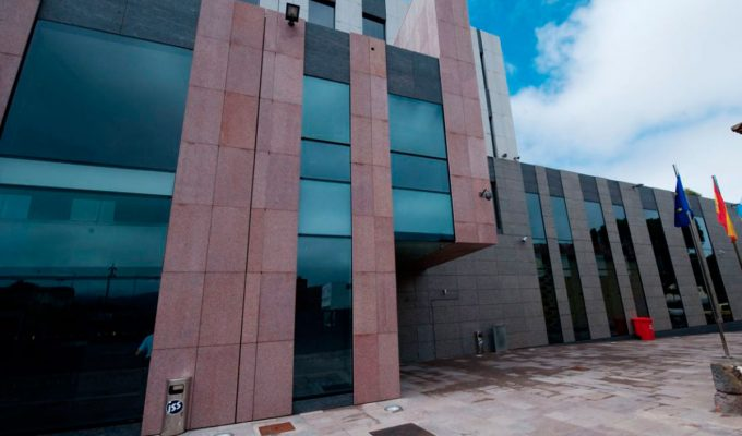Cuatro extrabajadores de las grúas laguneras declaran hoy en el juzgado