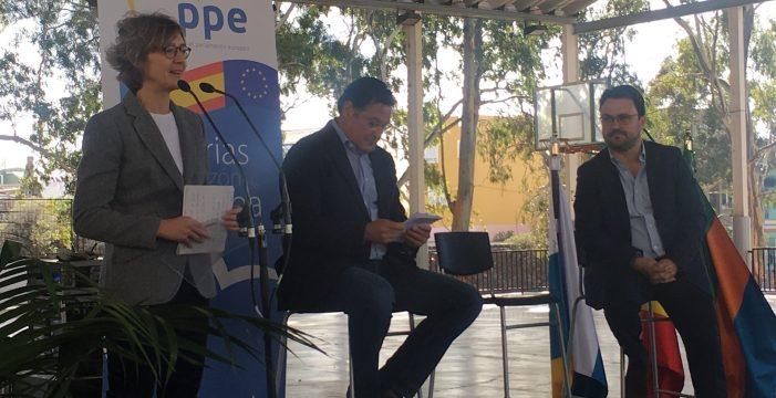 """García Tejerina afirma que los PGE son """"fundamentales"""" para dar estabilidad a Canarias"""