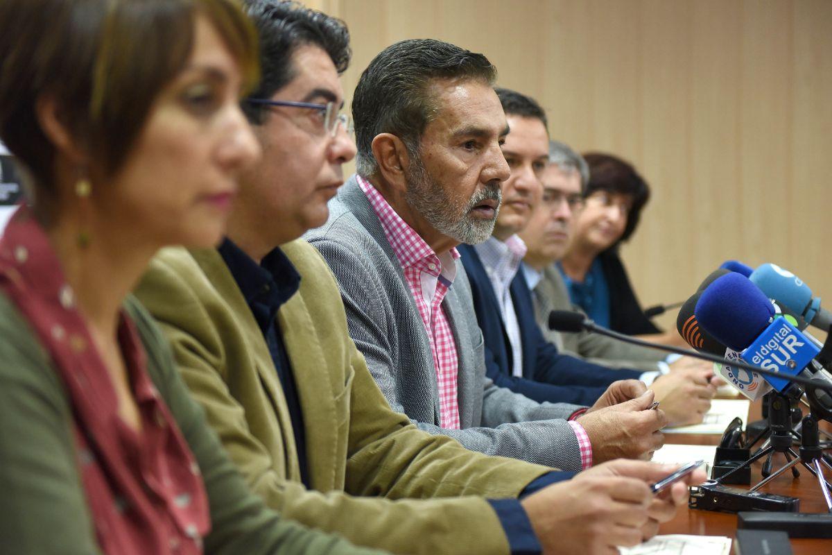 Los alcaldes de las localidades que integran la Asociación Canaria de Municipios Turísticos demandan un trato acorde con el volumen de visitantes que reciben. Sergio Méndez