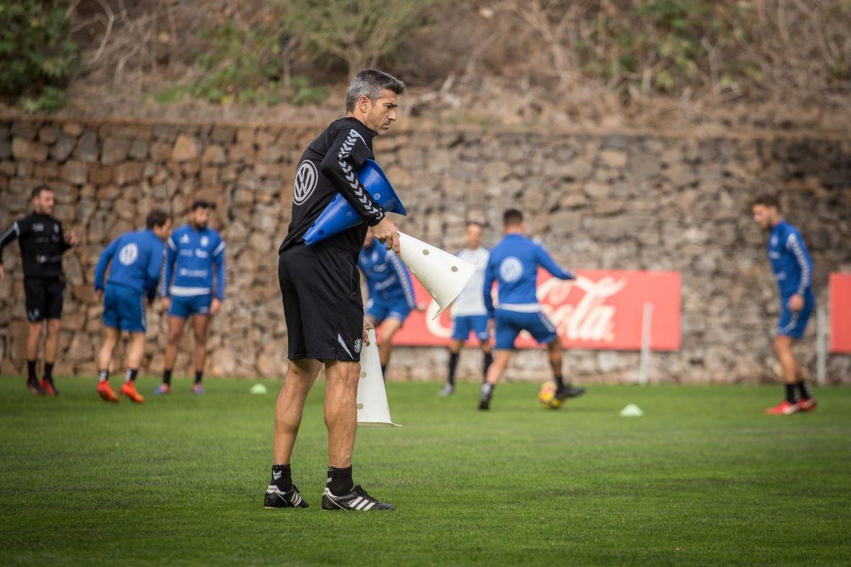 José Luis Martí, en una de las sesiones preparatorias de esta semana en el Mundialito. Andrés Gutiérrez
