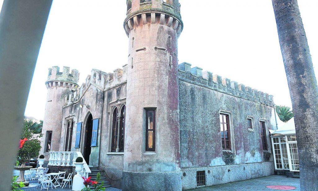 Imagen del chalé en forma de castillo que ha sobrevivido hasta hoy en día. S. M.