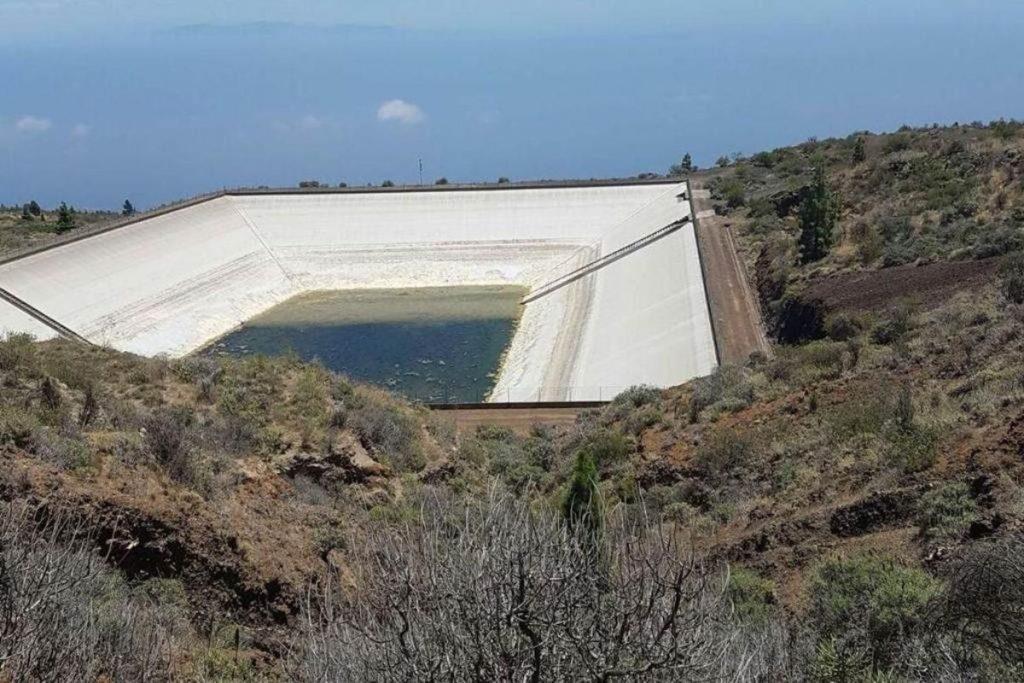 La mayoría de las balsas y embalses de la isla de Tenerife se encuentran en estos momentos por debajo de una tercera parte de su capacidad. Sergio Méndez