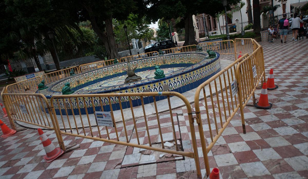La rehabilitación de la plaza de los Patos se encuentra en marcha desde el pasado mes de diciembre. F. P.
