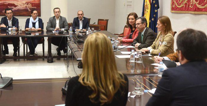 Acuerdo histórico de la oposición para reformar la ley electoral canaria