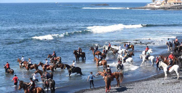 San Sebastián bendice los animales en Adeje