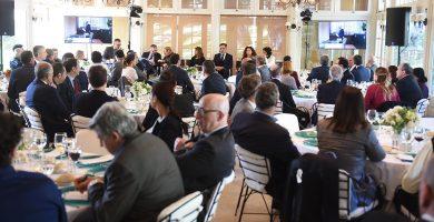 Imagen de un momento de las jornadas que se celebraron ayer en el Club Oliver de Santa Cruz de Tenerife y que reunieron a más de un centenar de empresarios de las Islas. Sergio Méndez