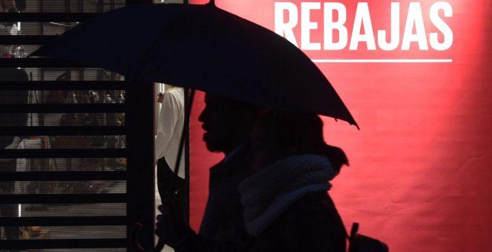 Canarias encabeza la caída de la contratación en rebajas con un 31% menos