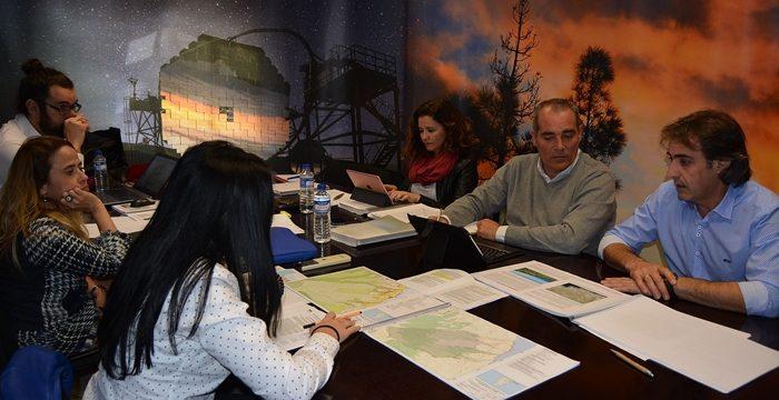Ayuntamientos y Cabildo analizan la repercusión de los cambios en planificación