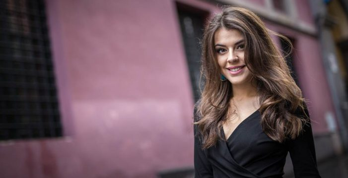 """Minerva Hernández, candidata a Reina: """"Intento atesorar cada momento de esta experiencia y vivirla con la máxima ilusión"""""""