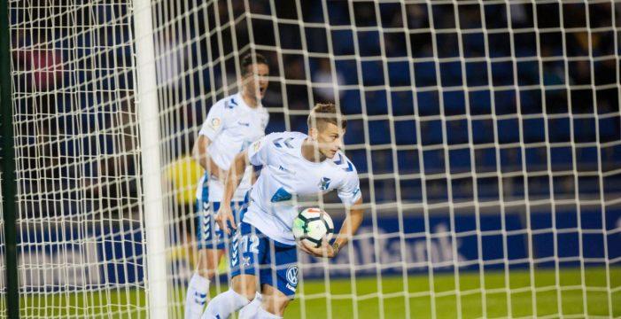 El Tenerife distancia de los puestos de promoción al Lugo (3-1)