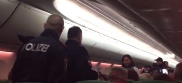 Las flatulencias de un pasajero obligan al piloto a aterrizar de emergencia