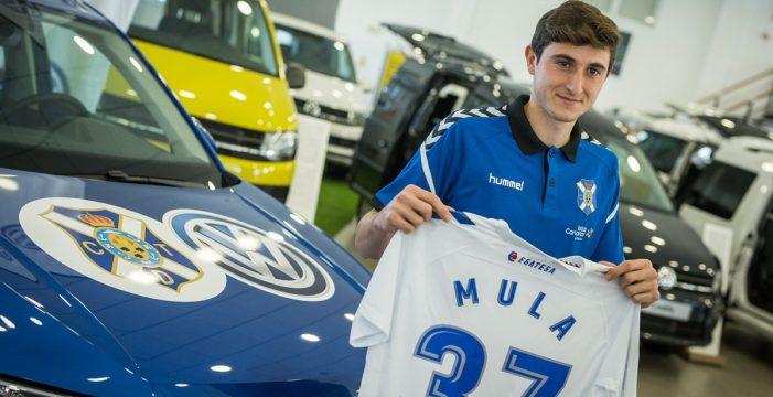 """Álex Mula: """"Tenía otras ofertas, pero el Tenerife mostró mucho interés y no lo dudé"""""""